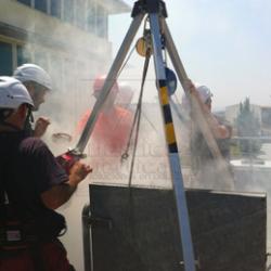 Curso-evacuación-y-rescate-en-espacios-confinados